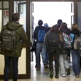 In Lombardia scuole superiori in Dad fino al 24 gennaio