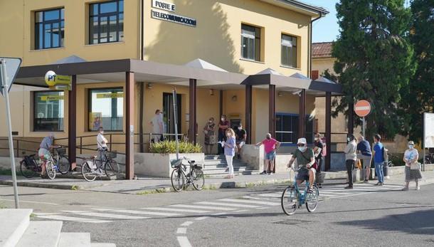 A Casale si torna alla normalità: dopo le proteste Poste aperte il pomeriggio