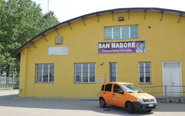 OSSAGO La guardia giurata sorprende i ladri in azione nella cooperativa San Nabore
