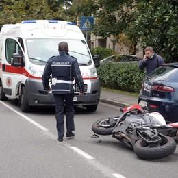 SAN DONATO Si schianta in moto contro una macchina: gravissimo un 60enne