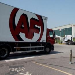 Trasporti, cronica carenza di camionisti: a Massalengo azienda aiuta a pagare le patenti