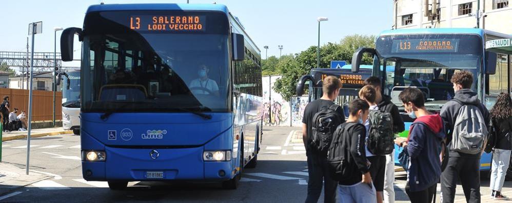 Dalla Regione in arrivo 98 milioni di euro per l'acquisto di 480 autobus a basso impatto