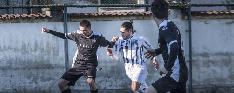 Calcio, Dellagiovanna promuove De Angelis