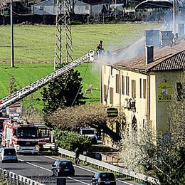 Brucia il tetto della storica Rampina