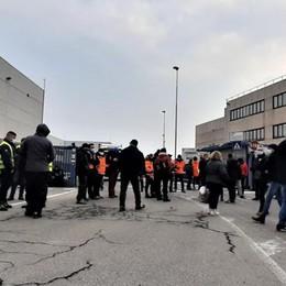 Casaletto, protesta sindacale alla Stef di Mairano: lunghe code di camion