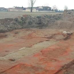 Codogno, scavano per allargare la provinciale e trovano un'antica fornace