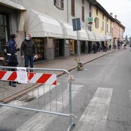 Folli corse d'auto in centro, paura a Castiglione