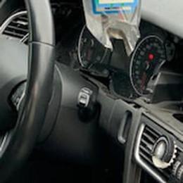 """Gli """"sciacalli"""" delle automobili in azione anche a Salerano"""