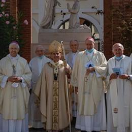 I vescovi lombardi a Caravaggio: la preghiera per le vittime del Covid