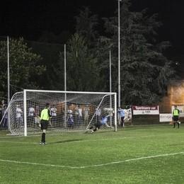 La partitella a calcio finisce in caserma: maxi multa a una ventina di ragazzi