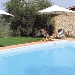 Mediglia, si costruisce la piscina in giardino, dopo 15 anni rischia di doverla demolire