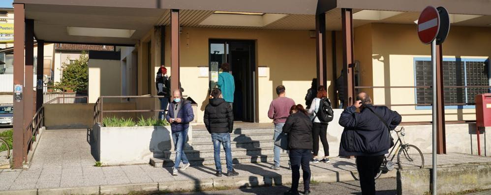 Orari ridotti per gli uffici, Poste italiane scontenta tutti
