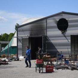 Paullo, un incendio nella nuova centrale a biomasse della piscina