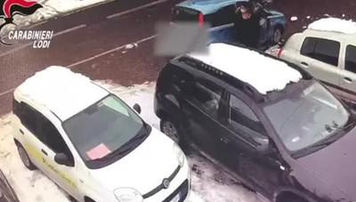 Ruba nel negozio a Graffignana, incastrata dalle telecamere