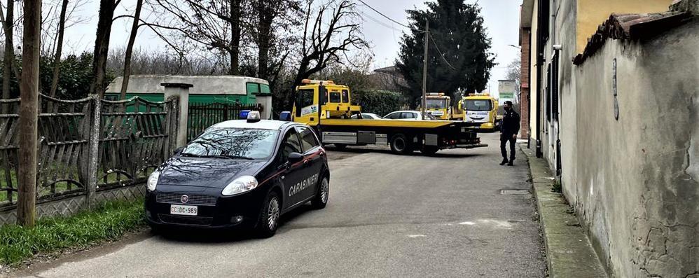San Colombano, i carabinieri rimuovono dieci auto prive di assicurazione
