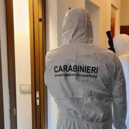 San Giuliano, giovane accoltellato in casa: i carabinieri fermano un 41enne di Milano - VIDEO