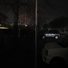 Strade al buio a Zelo, si scatenano i ladri delle auto