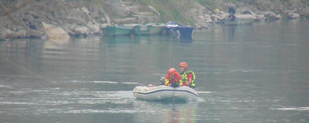 Uomo inghiottito dal fiume a Lodi, continuano le ricerche in Adda