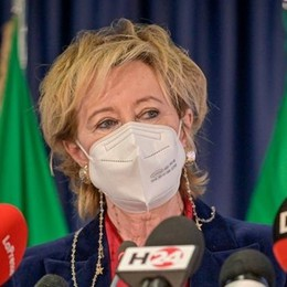 """Varianti in Lombardia, il 64% dei ceppi di coronavirus mutati sono """"inglesi"""""""