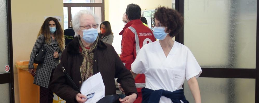 VIZZOLO Aperto il centro vaccinale: oggi sul «Cittadino» uno speciale