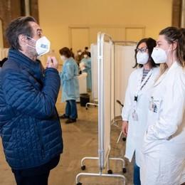 Fontana: «In Lombardia 47mila vaccinazioni al giorno». Oggi la partenza per la fascia 70-79