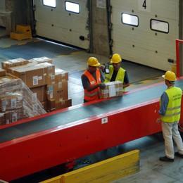 Furti nella logistica Dhl di Carpiano, in manette due magazzinieri