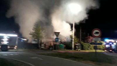 Melegnano, bruciano le baracche degli orti