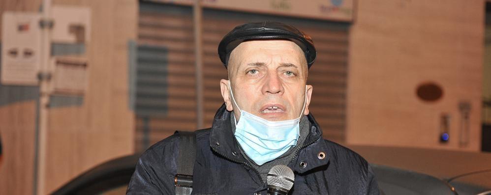 Sanità, sciopero della fame davanti alla Prefettura