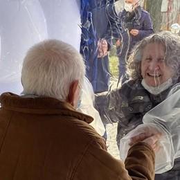 Ecco una certificazione Covid-free per le visite tra anziani e parenti