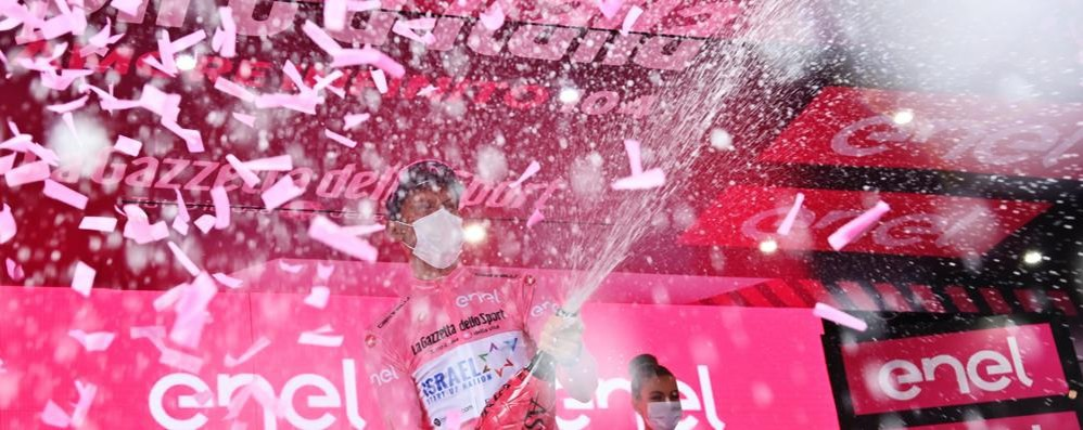 Giro d'Italia, tappa a Dombrowski e maglia rosa a De Marchi