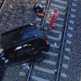 SAN DONATO È morto l'uomo di Lodi Vecchio precipitato con l'auto sui binari dell'Alta velocità - IL VIDEO