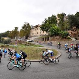 Ciclismo, il Giro d'Italia delle bici elettriche fa tappa nel basso Lodigiano