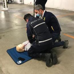 Polizia locale di Codogno, i defibrillatori sulle auto di pattuglia