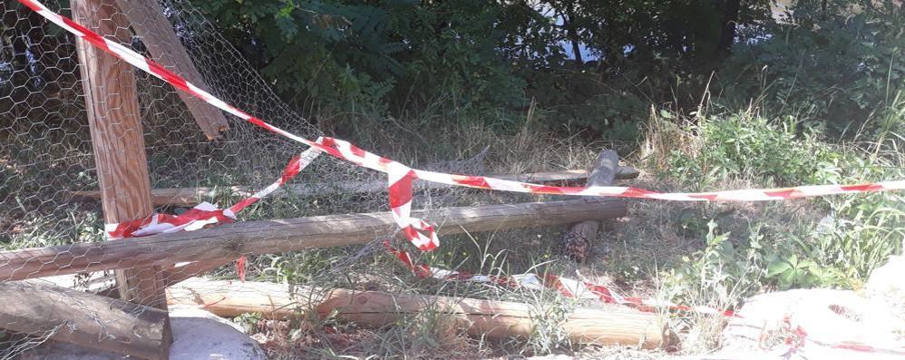 Abbattuta la staccionata in riva al Lambro a Melegnano