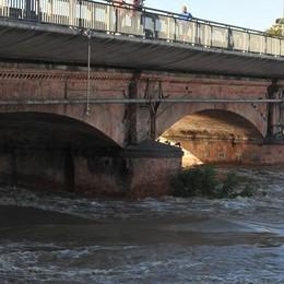 Cantieri estivi a Lodi, da questa mattina senso unico alternato sul vecchio ponte