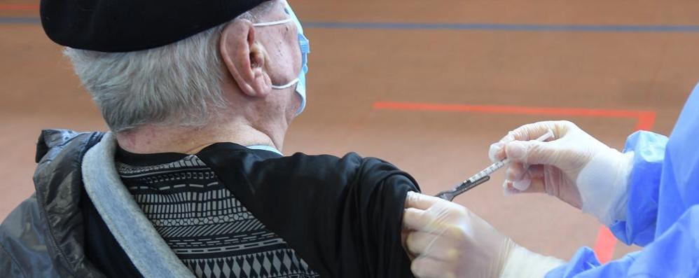 Da giovedì in Lombardia via alle seconde dosi per gli under 60 vaccinati con Astrazeneca