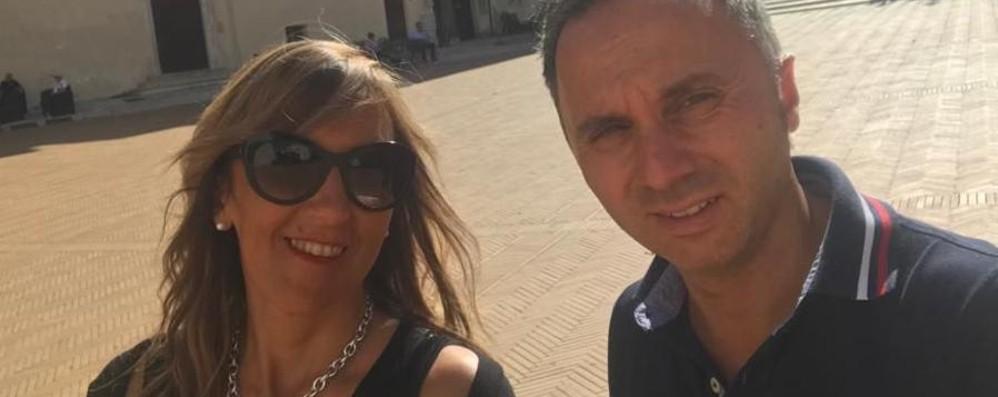 """Elena e Fabio di Melegnano, matrimonio """"in trincea"""": lotta alla droga con don Chino"""