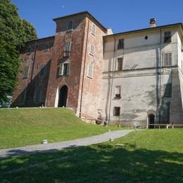 Incursione notturna nel castello di Somaglia: «Volevamo solo vedere i fantasmi»