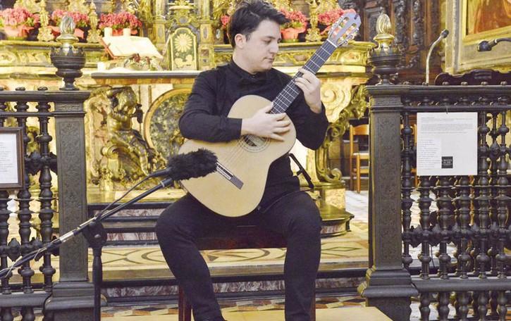 """""""La dolce guitar"""" di Ciampa per il trionfo delle sei corde"""