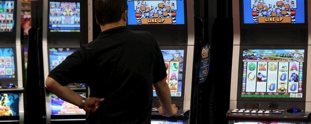 LA PIAGA La dipendenza da slot e giochi: nel Lodigiano colpiti oltre 1.600