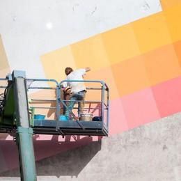 """La """"street art"""" di Alberonero e la mutevolezza dei colori"""