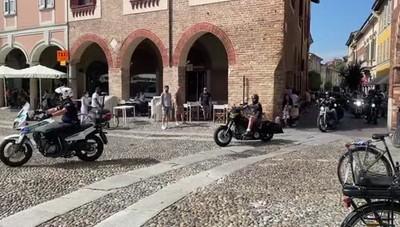 Lodi, in piazza il rombo delle storiche Indian