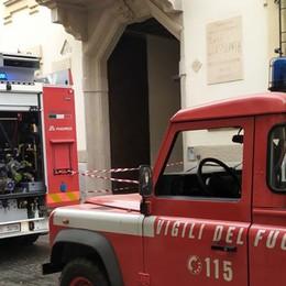 Lodi, principio d'incendio in corso Roma