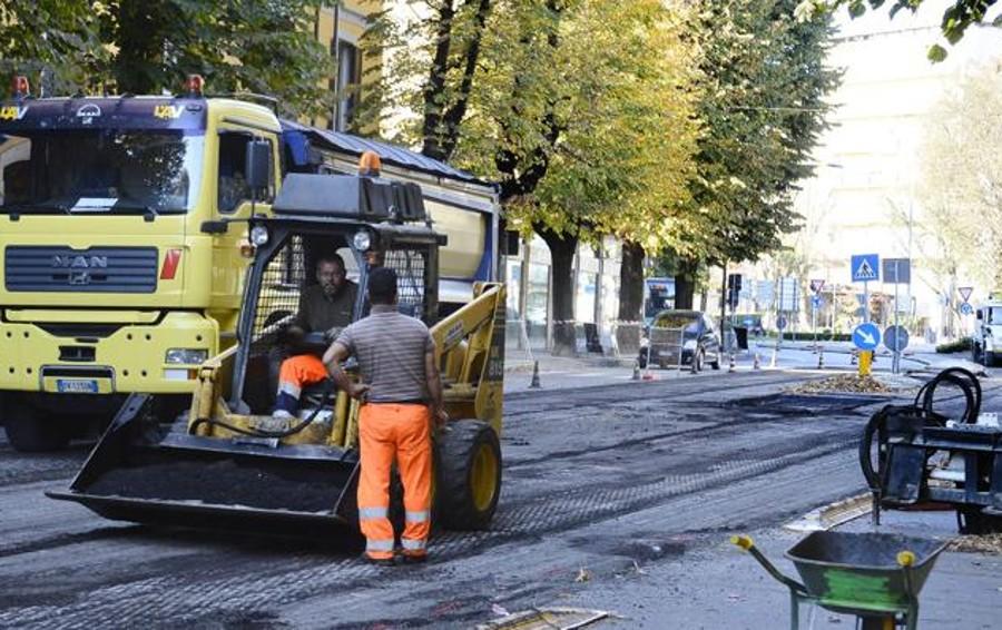 LODI Slalom tra i cantieri per gli asfalti, lavori anche in via San Colombano