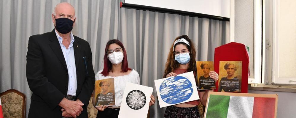 """L'omaggio ad Ada Negri degli studenti del """"Piazza"""""""