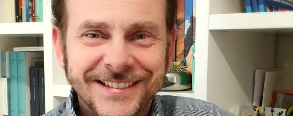"""Mirko Volpi, benvenuti all'""""Asilo club"""": genitori e figli tra ironia e realtà"""