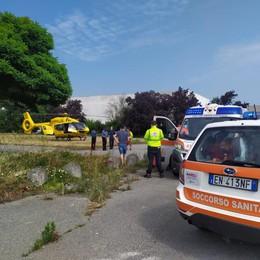 OSPEDALETTO Un lavoratore 56enne cade a terra: arriva l'elisoccorso