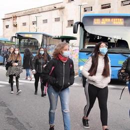 """Trasporti e ingressi scaglionati,  tutte le """"incognite"""" della scuola"""