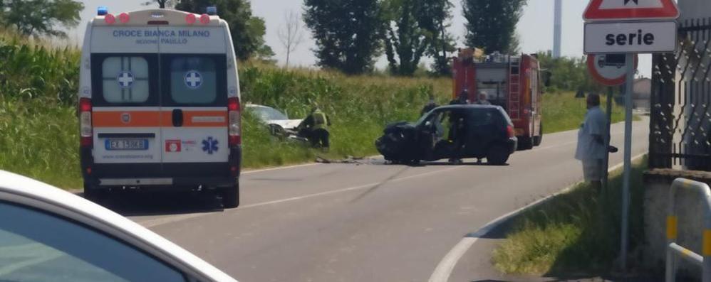 Frontale sulla provinciale a Mulazzano, due feriti