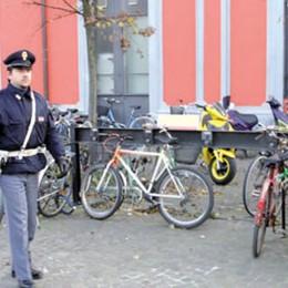 LA PIAGA Ancora furti di biciclette: i cittadini si organizzano con appelli sui social